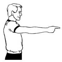 داور بسکتبال، نشان دادن جریان بازی بعد از خطا بدون پرتاب پنالتی به میز داوران بسکتبال